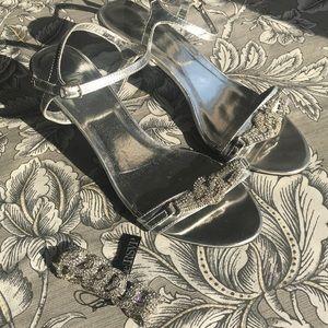 PROM/WEDDING Rhinestone Shoes and NWT Bracelet SET
